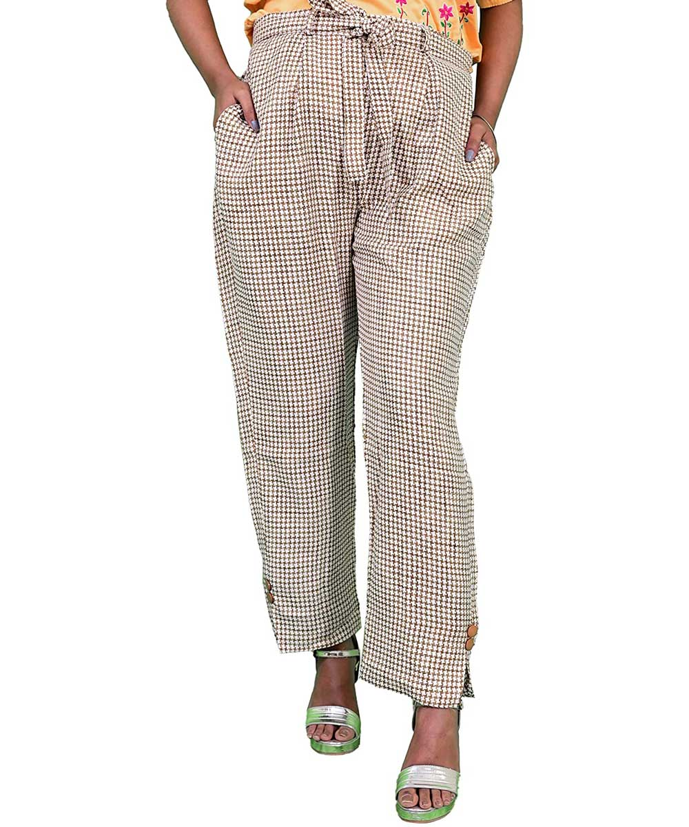 Off White Small Checks Women Pants with Loose Belt